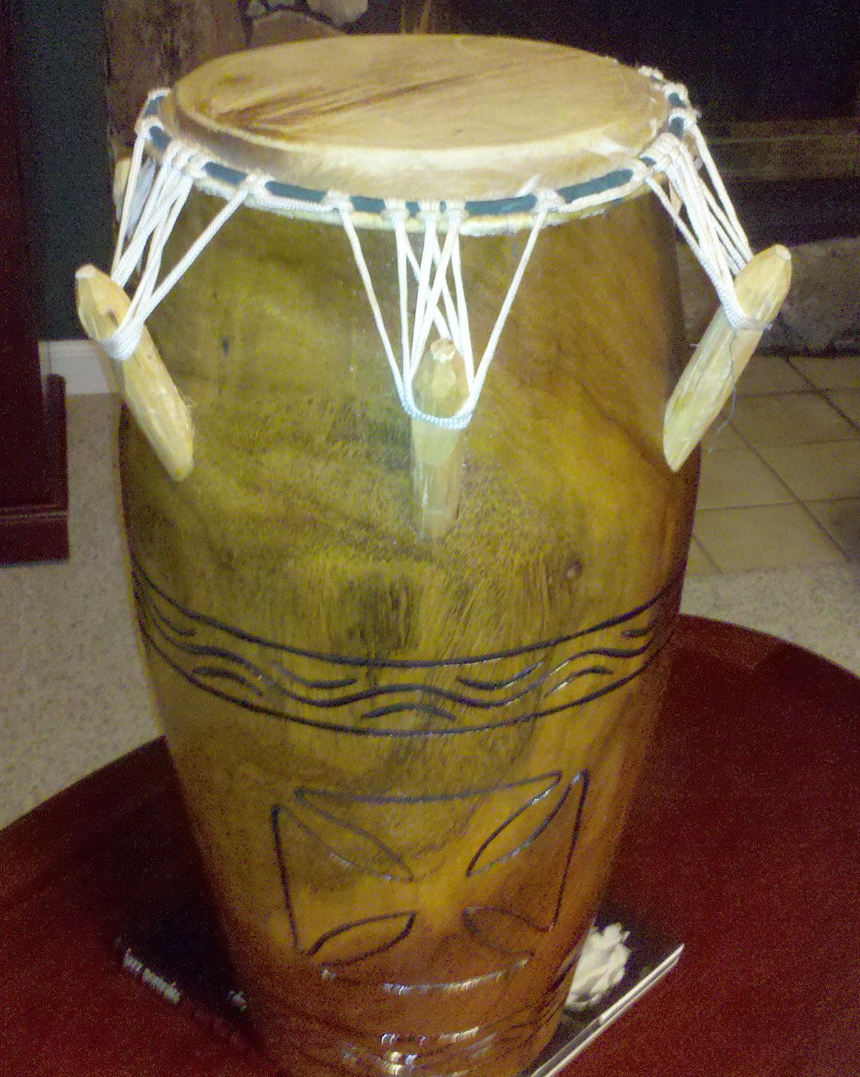 2010-06-1623.07.25.jpg - African Drum