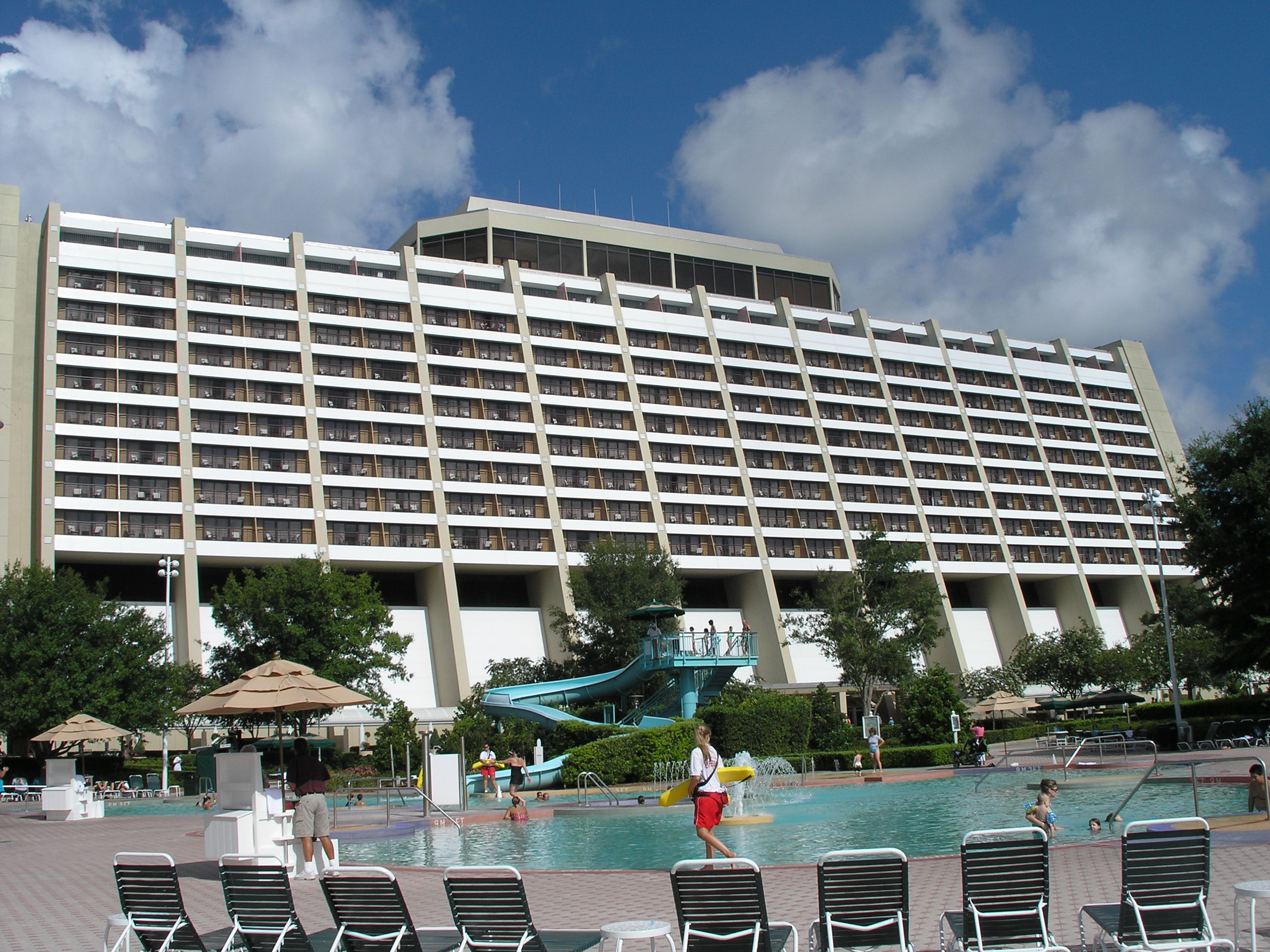 Walt disney world contemporary hotel pool pics4learning for Contemporary hotel pool