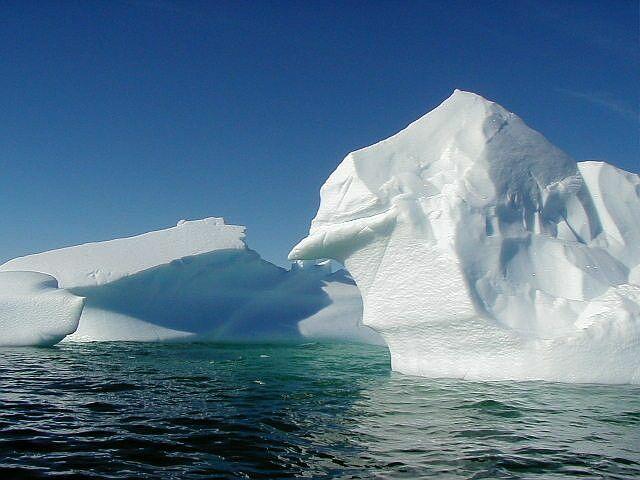 iceberg4.jpg - Icebergs in the sea