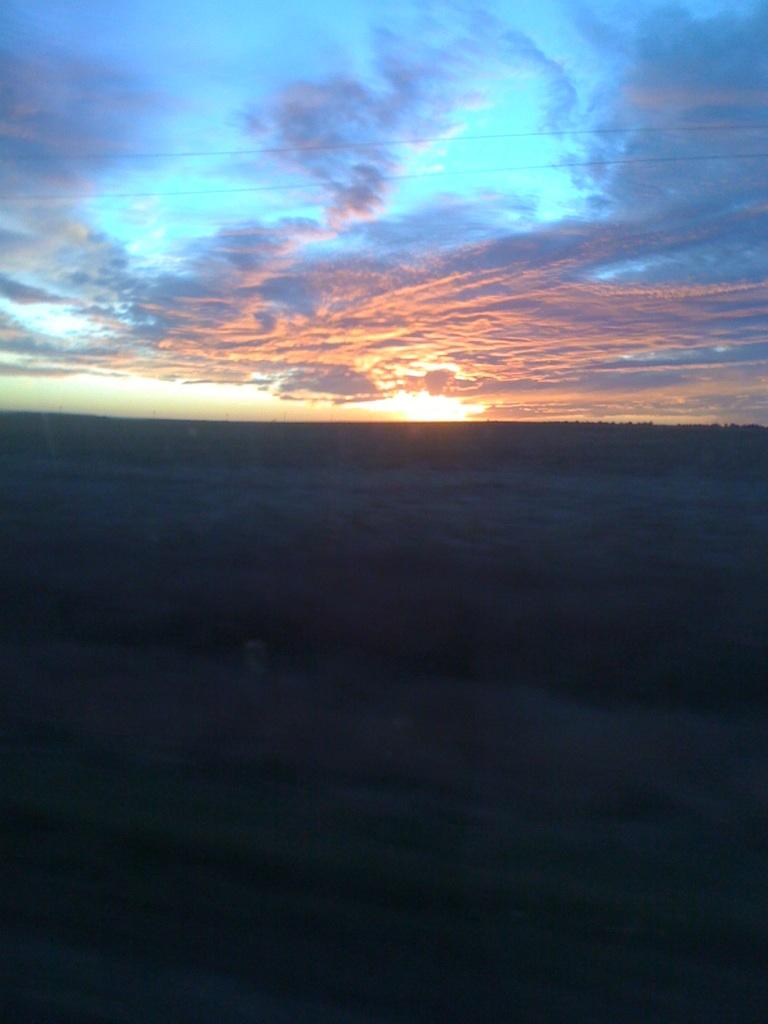 sdakotasunset.jpg - South Dakota Sunset in a Cut Cornfield