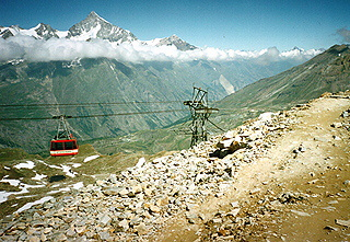 Cable car going up to Matterhorn