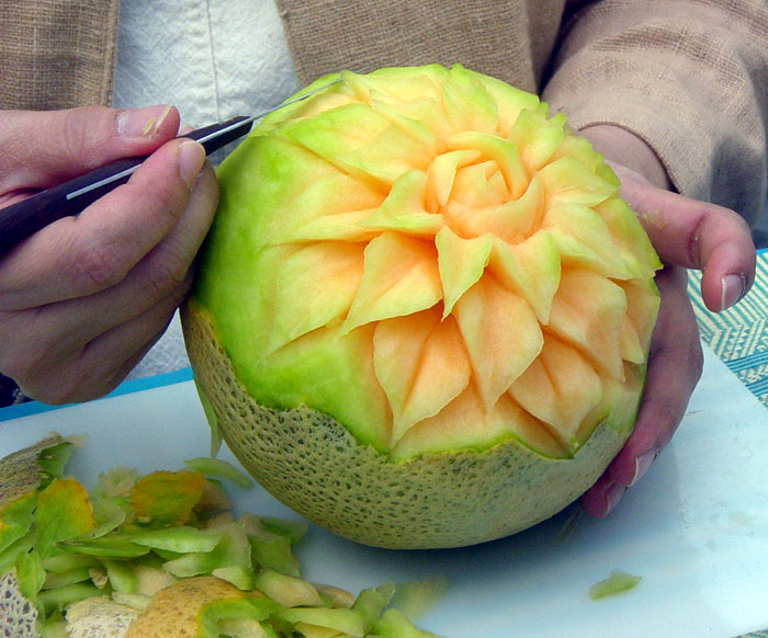 Thai fruit carving: cantaloupe pics4learning